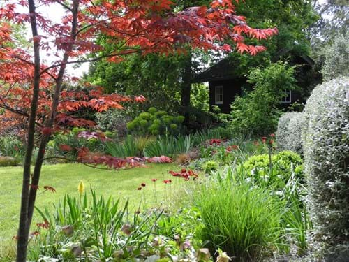 Landscape Design Melbourne | Sandra McMahon Gardenscape Design | sequential planting is the key to year-round interest in a garden.