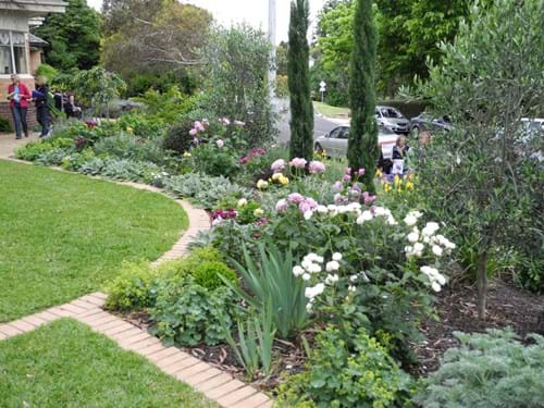 Garden designers Melbourne | another 'room in the garden offers a chance for a different plant palette.